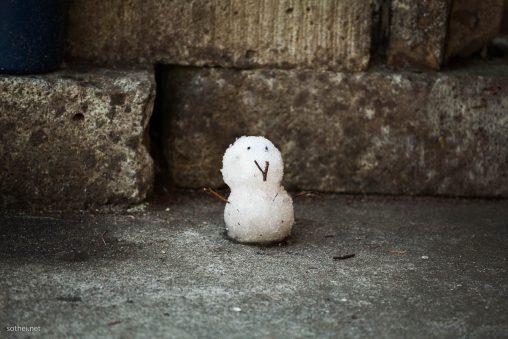小さな雪だるま