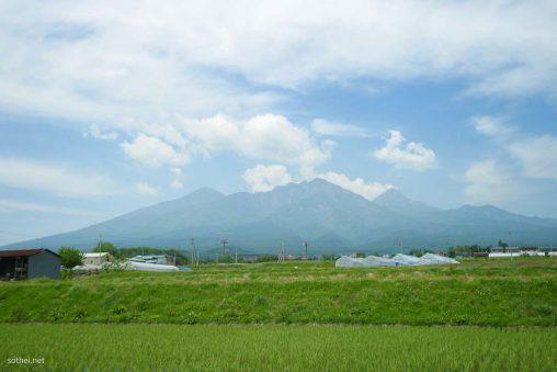 八ヶ岳と畑