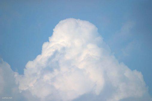 もっこり入道雲