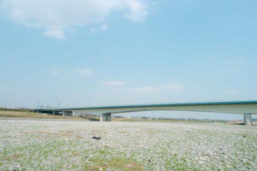 稲城大橋と多摩川